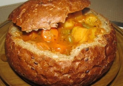 Венгерский суп-гуляш в хлебе - фото шаг 5