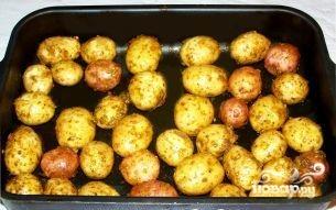 Картофель в духовке в кожуре - фото шаг 3