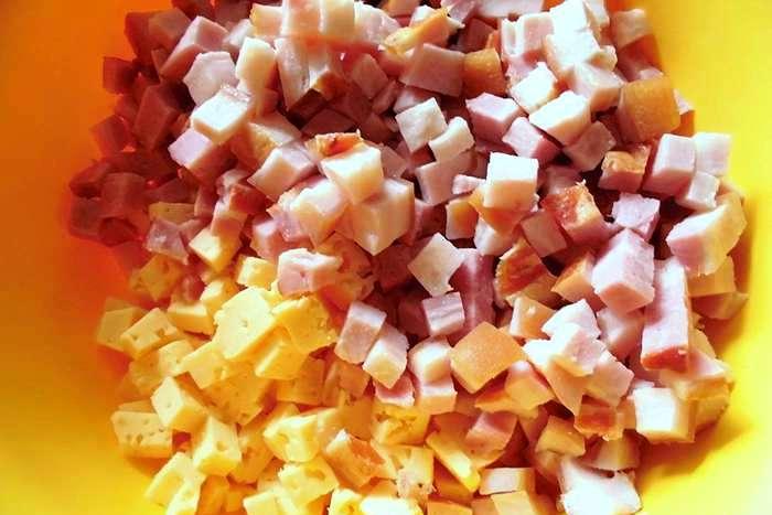 Рецепт Быстрый пирог с ветчиной и сыром