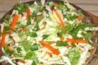 Салат из капусты с морковью и яблоками