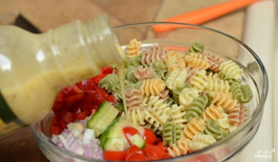Итальянский салат с пастой - фото шаг 5