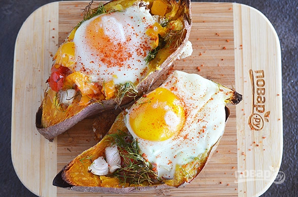 Яйца в сладком картофеле-батате
