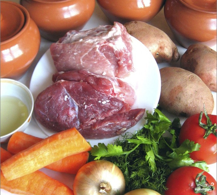 Рецепт Свинина тушеная в горшочке