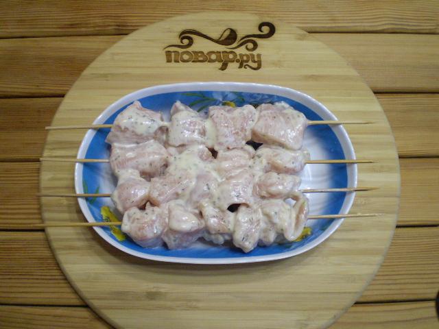 Куриные шашлычки на шпажках в духовке для детей - фото шаг 9