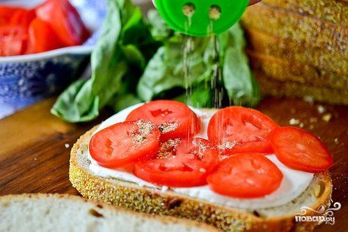 Рецепт Бутерброды с помидорами и чесноком