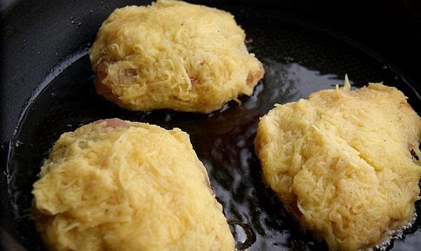 Куриные отбивные в картофельном кляре - фото шаг 9