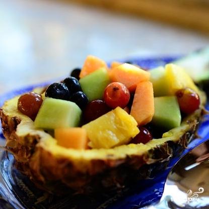 Ананасовые лодочки с фруктами - фото шаг 10