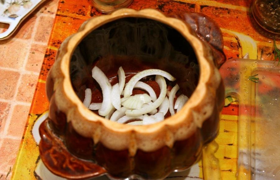 Пельмени с грибами в горшочках - фото шаг 7