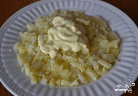 Шпротный салат - фото шаг 8