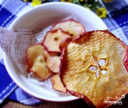 Яблочные чипсы в микроволновке - фото шаг 7