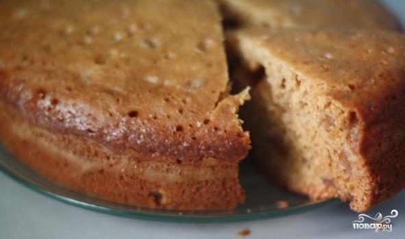 Быстрый пирог с вареньем в мультиварке