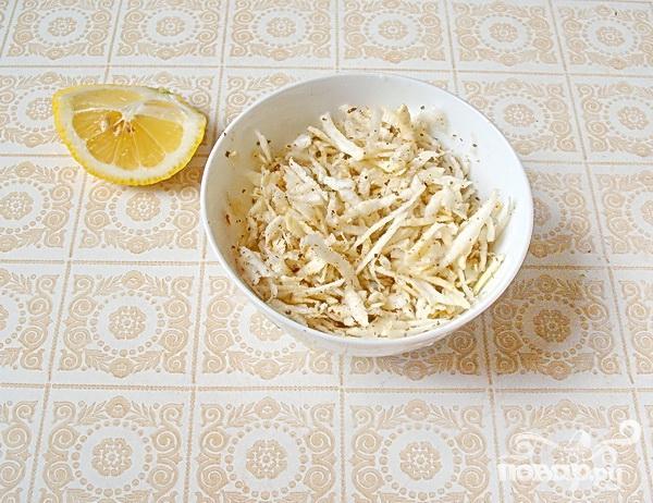 Салат с маринованным корнем сельдерея - фото шаг 4
