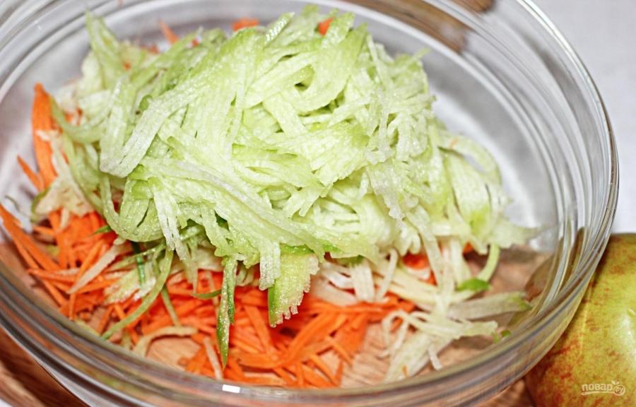 Салат из редьки зеленой с морковью