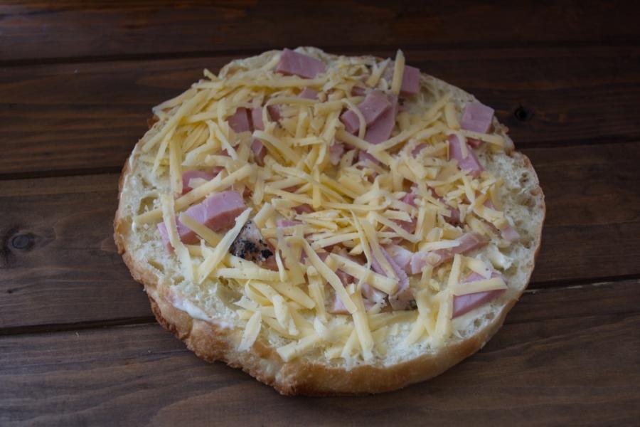 Толстый лаваш с сыром и бужениной - фото шаг 4