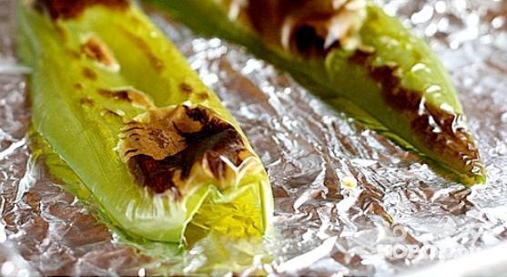 Шашлык из креветок с чили и тыквенными семечками - фото шаг 2