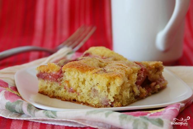 Клубничный пирог с пахтой