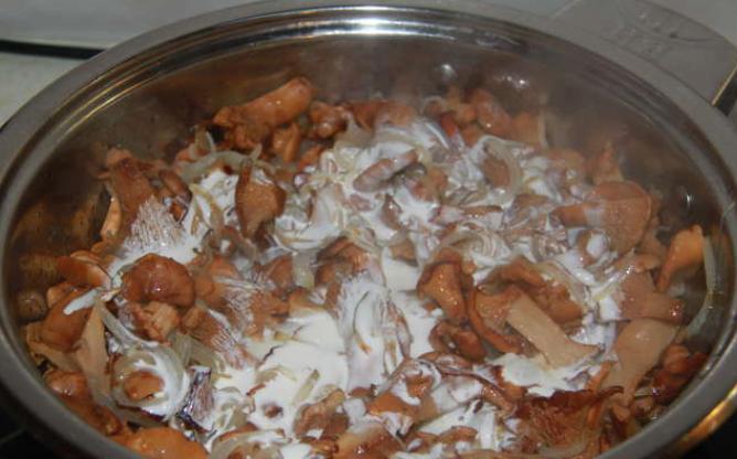 Лисички, запеченные в духовке - фото шаг 3