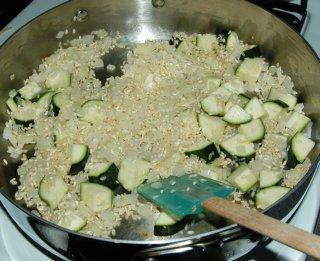 Рис с курицей в соусе в духовке - фото шаг 4