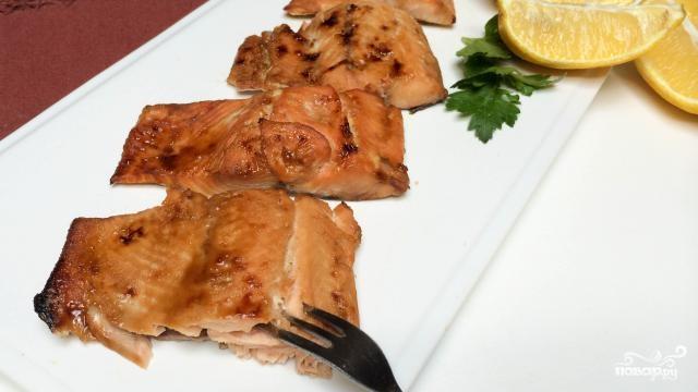 Филе лосося в глазури