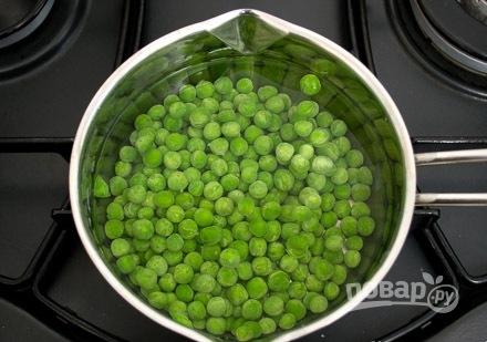 Рыбные котлетки с зеленым горошком - фото шаг 2