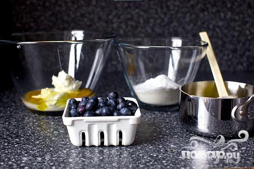 Черничные оладьи с йогуртом - фото шаг 1