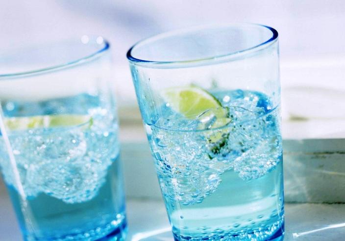Алкогольный напиток в стиле Мохито - фото шаг 3
