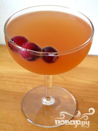 Простой коктейль с клюквой - фото шаг 4