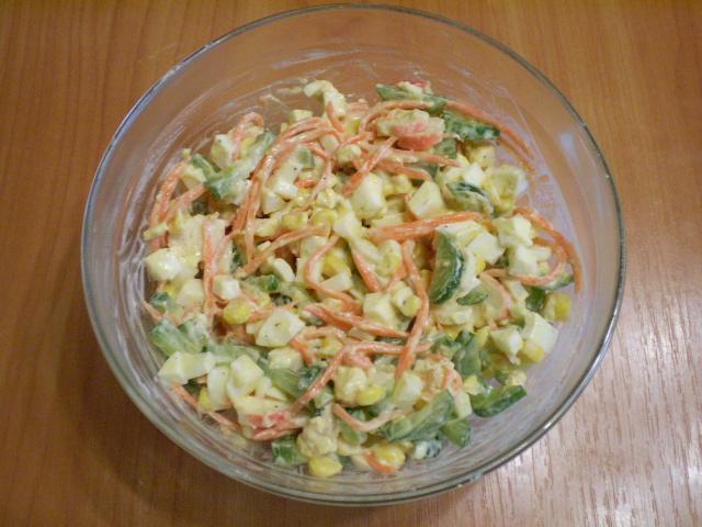 Салат с корейской морковкой и крабовыми палочками - фото шаг 6