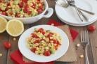 Салат с авокадо и черри