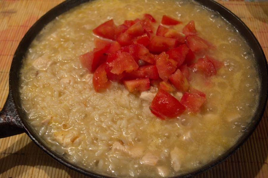 Рис с курицей и помидорами - фото шаг 7