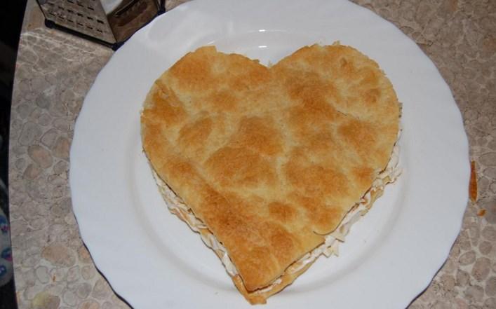 Закусочный торт из слоеного теста - фото шаг 5