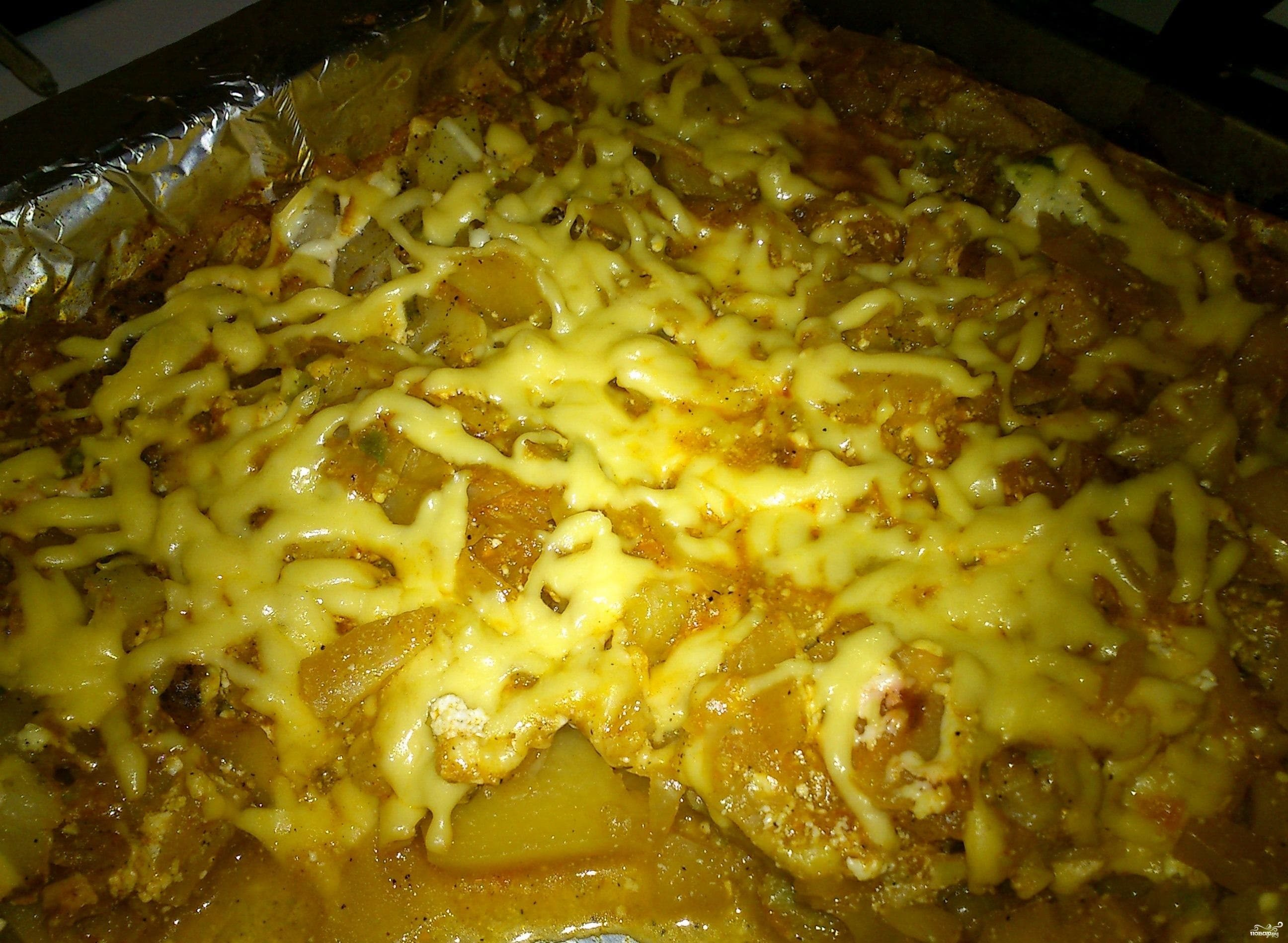 Капуста в духовке с картошкой
