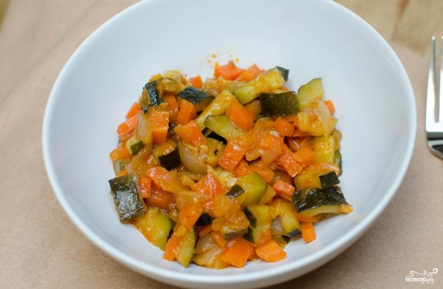 Теплый салат с цукини - фото шаг 5