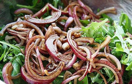 Горячий салат с куриной печенью - фото шаг 4