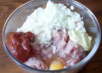 Рецепт Мясной рулет с картофельным пюре