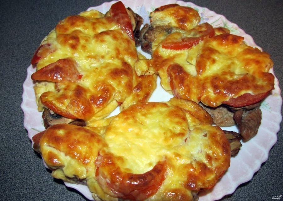 Мясо по-французски на сковороде с грибами - фото шаг 4