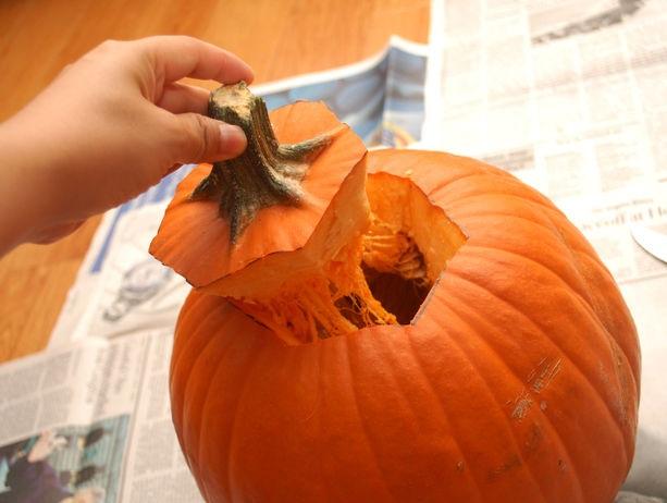 Тыква на Хэллоуин - фото шаг 2