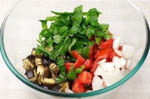 Салат к запеченной семге - фото шаг 8