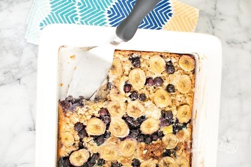 Пирог с бананом и черникой