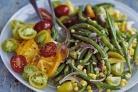 Салат с зеленой фасолью, кукурузой и помидорами