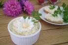 Салат из плавленного сыра с яйцом