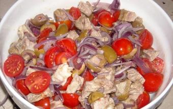 Салат с языком и помидорами - фото шаг 6