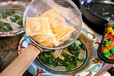 Равиоли с сыром и ветчиной - фото шаг 14