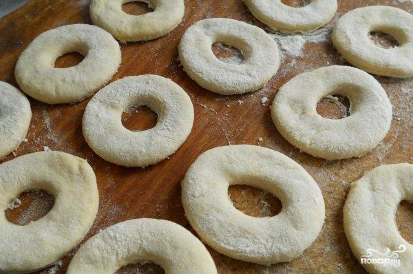 Вкусные пончики на кефире - фото шаг 6