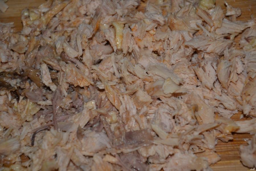 Рулет из слоеного теста с курицей - фото шаг 2
