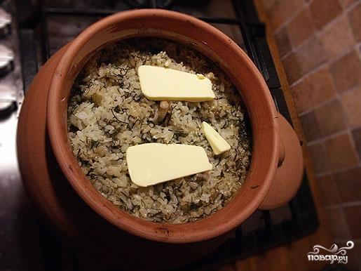 Рис с грибами в горшочках - фото шаг 7