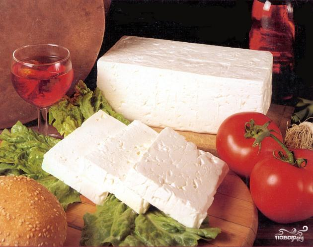 Салат из творога и брынзы