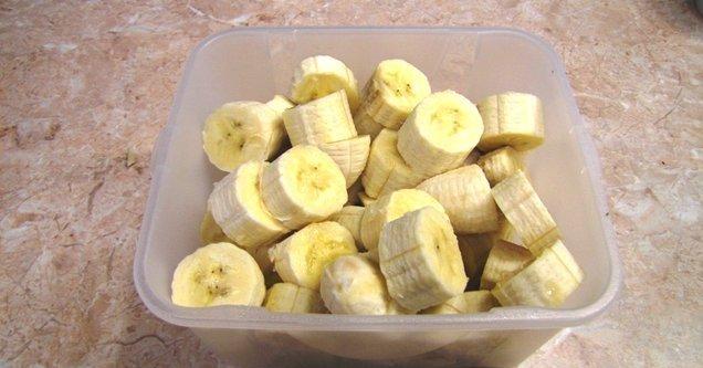 Мороженое из банана и молока - фото шаг 2