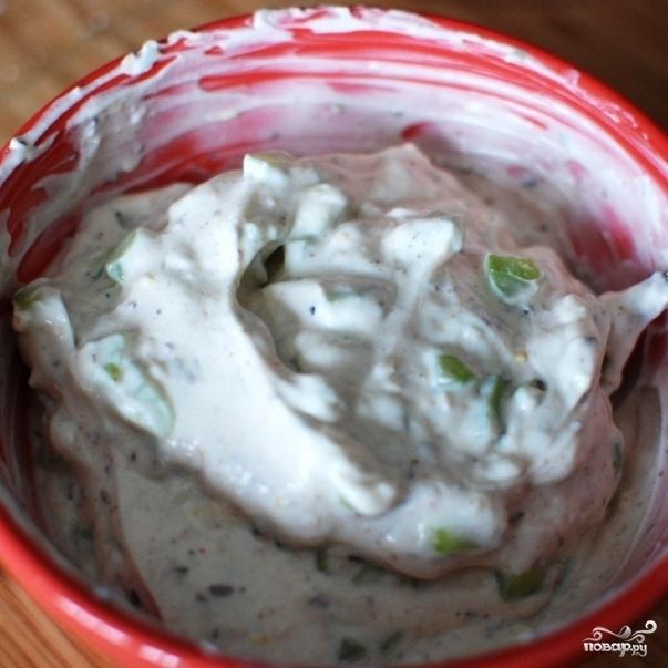 Соус из йогурта и огурцов - фото шаг 12