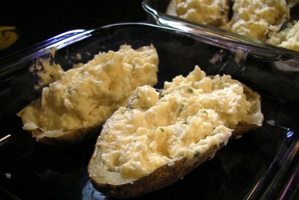 Картофель, фаршированный сыром - фото шаг 6